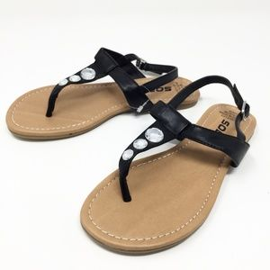 SODA Flat Sandals